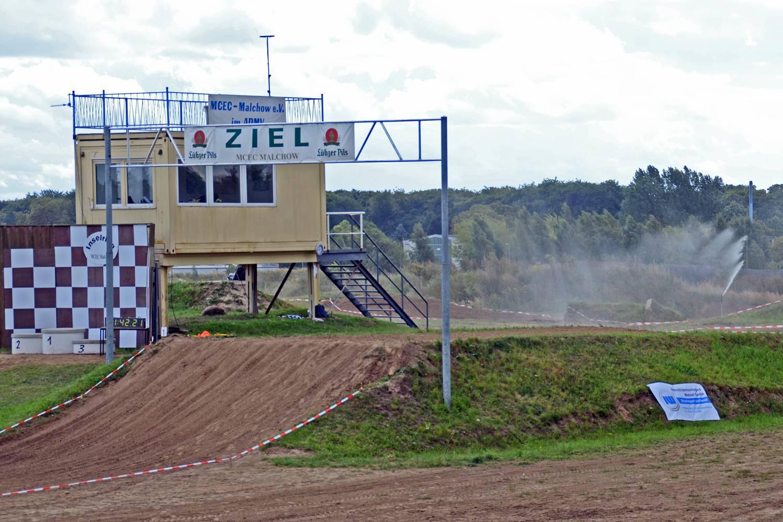 Motocross Malchow - Zielgrade mit Sprungtable